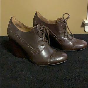 Nine West Clarityo Brown Oxford Wedge Boots
